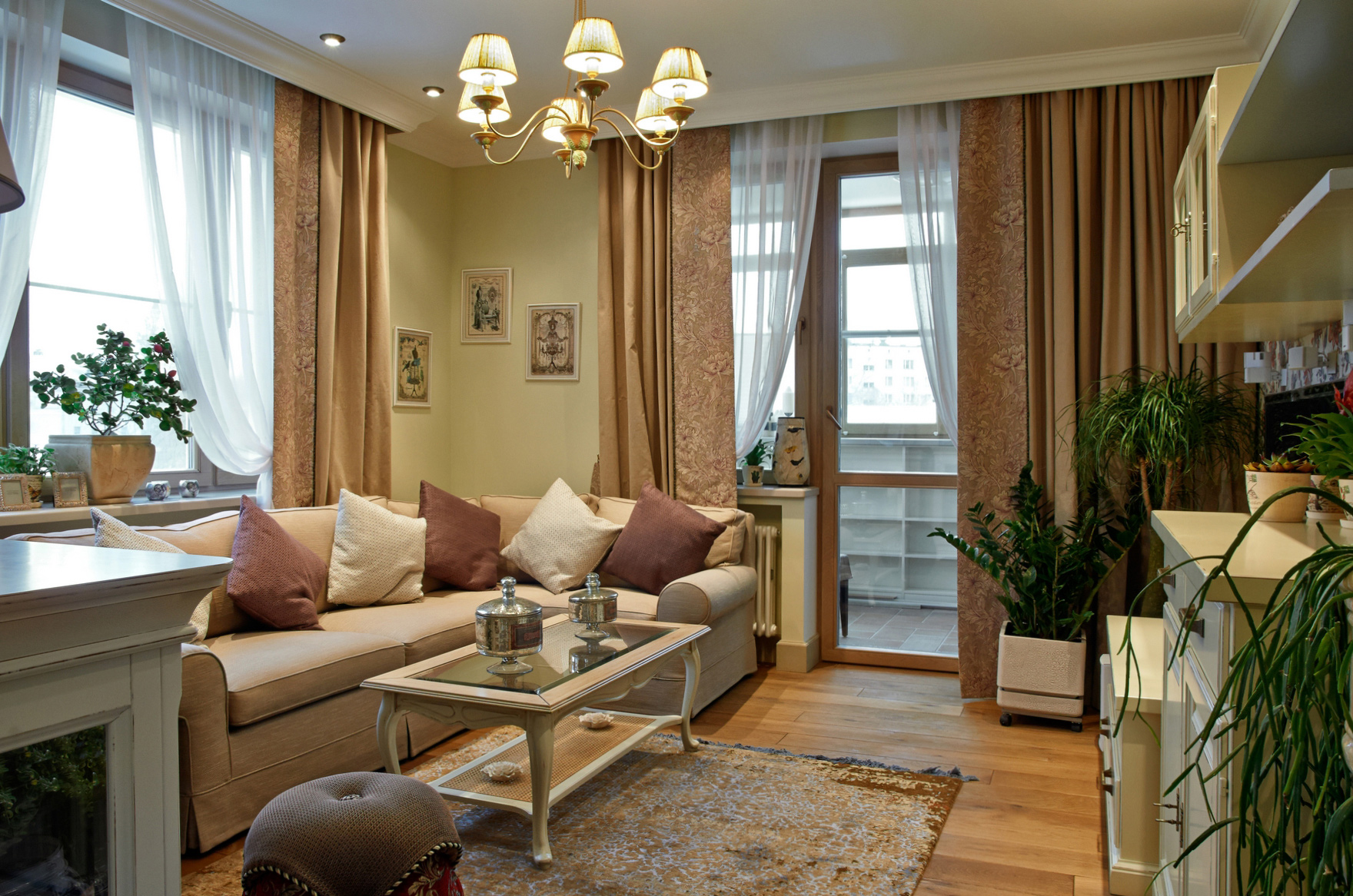 цвет гостиной в теплых тонах фото