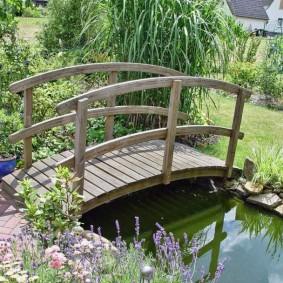 декоративный мостик для дачи декор фото