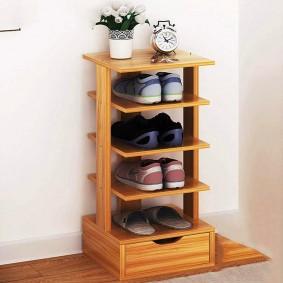 деревянная этажерка для обуви
