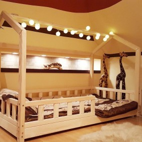 детская кровать из массива дерева фото интерьера