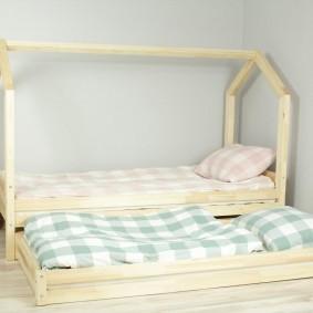 детская кровать из массива дерева оформление фото