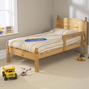 детская кровать из массива дерева идеи оформления
