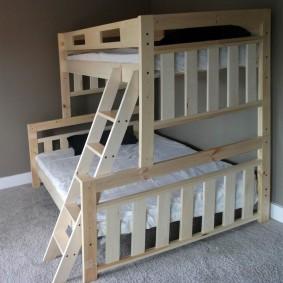 детская кровать из массива дерева варианты