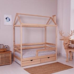 детская кровать из массива дерева фото дизайна