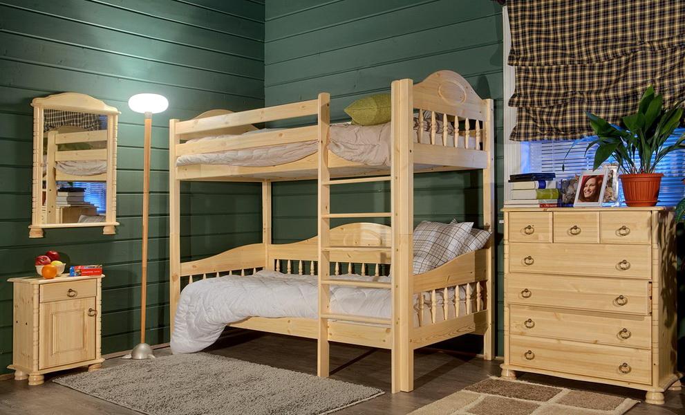 детская кровать из массива дерева двухъярусная