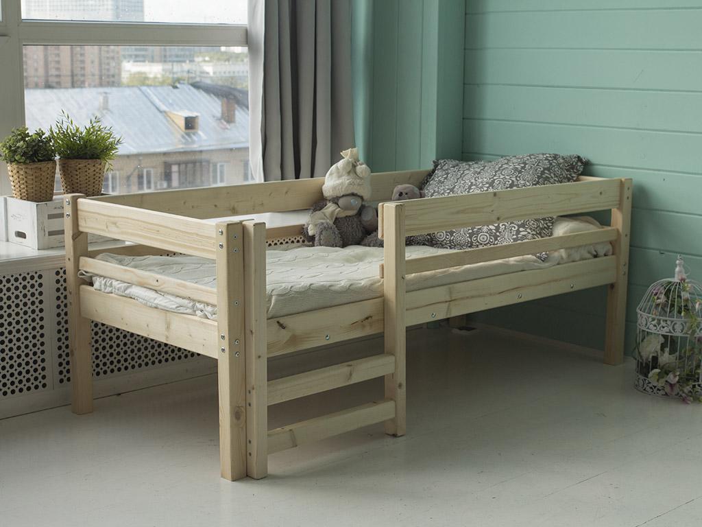 детская кровать из массива дерева фото