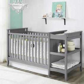детская кровать с пеленальным столиком дизайн фото