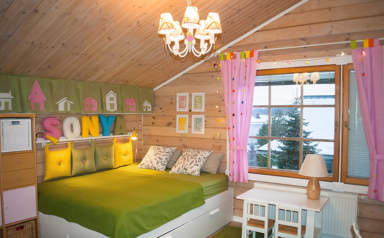 детская в деревянном доме декор