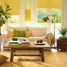 диван у окна в гостиной фото интерьер