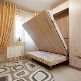 диван у окна в гостиной фото виды