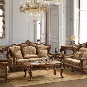 диван в классическом стиле интерьер