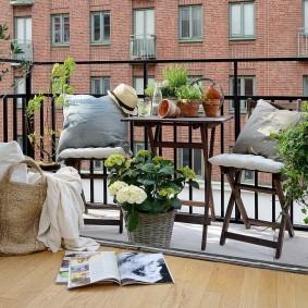 дизайн балкона сад