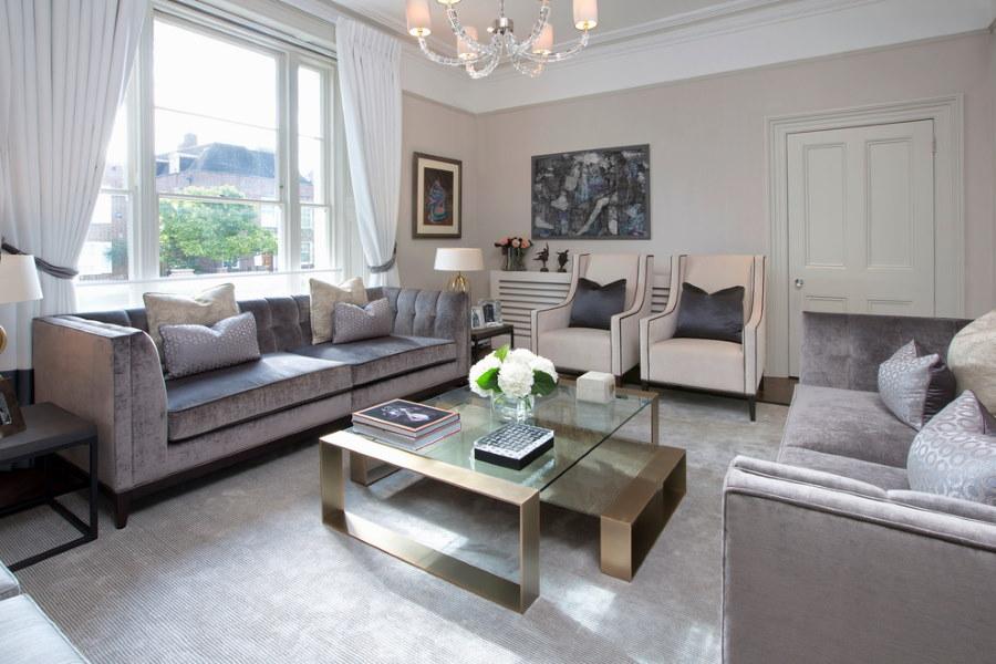 П-образное размещение диванов в гостиной