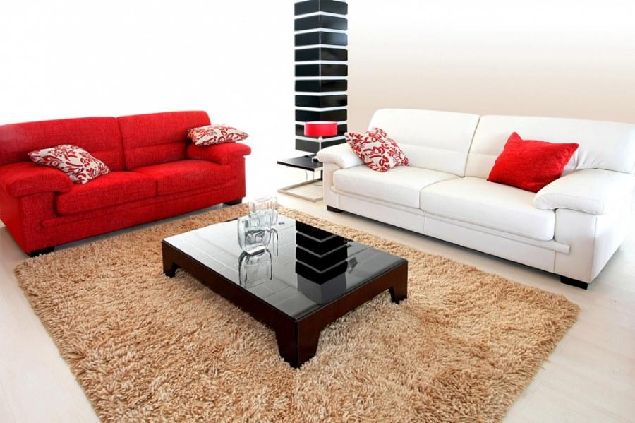 Пара трехместных диванов в одном стиле