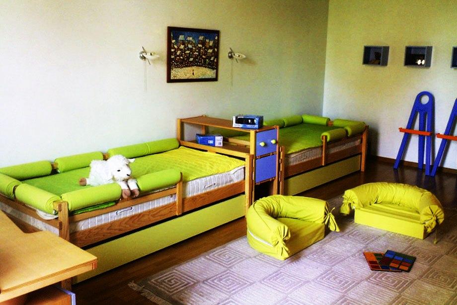 две отдельные кроватки