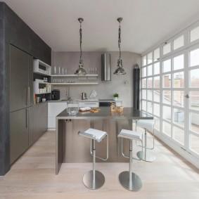 Французское окно в кухне современного стиля