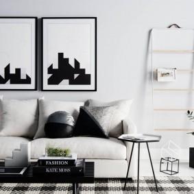Черно-белые картины в современной гостиной