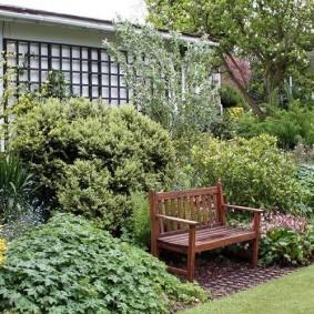 Садовая скамейка из натурального дерева