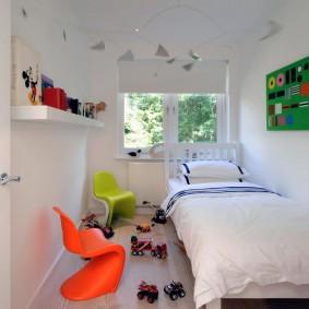 Стулья в качестве акцентов интерьера детской комнаты