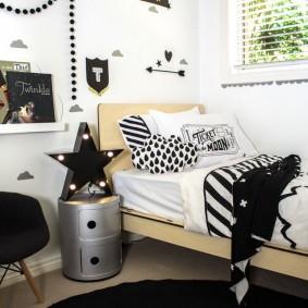 Черно-белый интерьер детской спальни