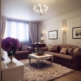 Небольшой зал квартиры в классическом стиле