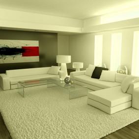Белый ковер на полу гостиной