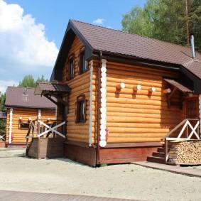 деревянный дом из сосновых бревен