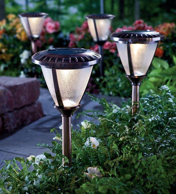 светильники для огорода фото пополнением