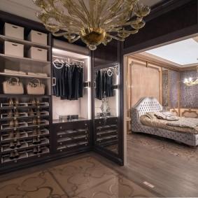 Интерьер гардеробной комнаты в стиле арт-деко