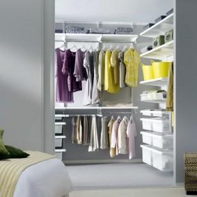 Удобная система хранения вещей и одежды