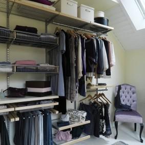 Хранение одежды и обуви в спальной комнате
