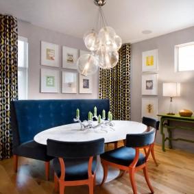 Деревянный пол в комнате частного дома