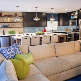 Освещение совмещеннной кухни-столовой-гостиной