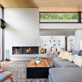 Интерьер современной гостиной в частном доме