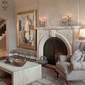 Декор камина лепниной в классическом стиле