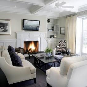 Кессонный потолок белого цвета