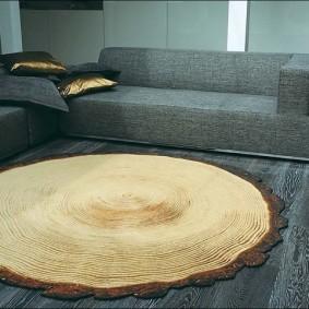 Вязаный коврик под срез дерева