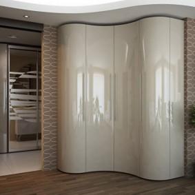 Радиусный шкаф с матовыми стеклами