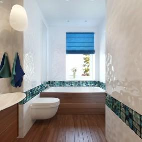 Интерьер ванной комнаты с окном в стене