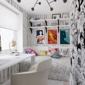 Бумажные обои на стене комнаты подростка