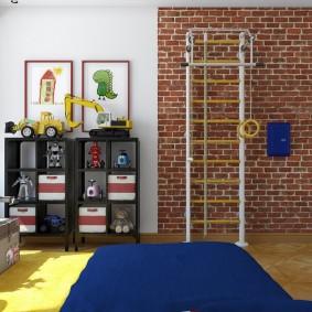 Спортивная стенка в комнате мальчика
