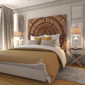 Деревянное панно над изголовьем кровати