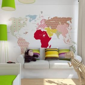 Карта мира вместо обоев в детской комнате