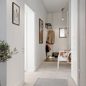 Светлый коридор в стиле сканди