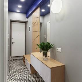 Модульная мебель в узком коридоре