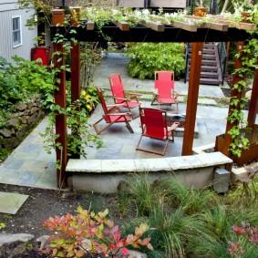 Складные стулья красного цвета