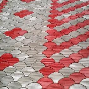 Красно-серый рисунок из вибролитой плитки