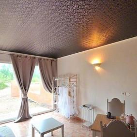 Текстурная поверхность натяжного потолка