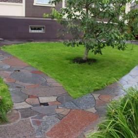 Садовые дорожки сразу после дождя