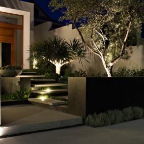 Освещение парадной зоны на загородном участке